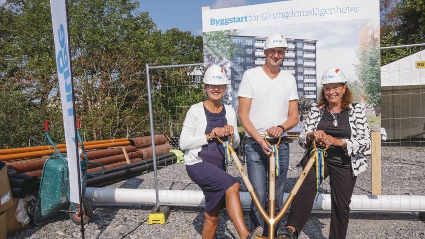 Första spadtaget för Huges 62 lägenheter för unga i Trångsund