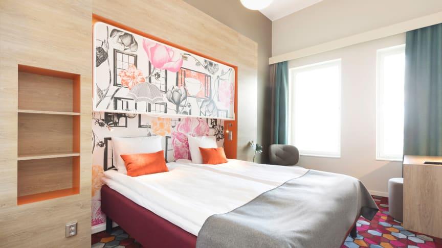 Bilden är på ett Standard Triple Room från Motel L Älvsjö i Stockholm.
