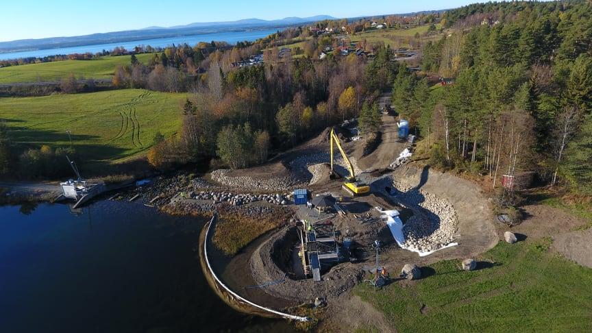 Fremtidens byggeplasser kan bli utslippsfrie, mener rådgiverne Ketil Søyland og Bjørn Kummeneje fra Norconsult. (Illustrasjonsfoto: Norconsult)