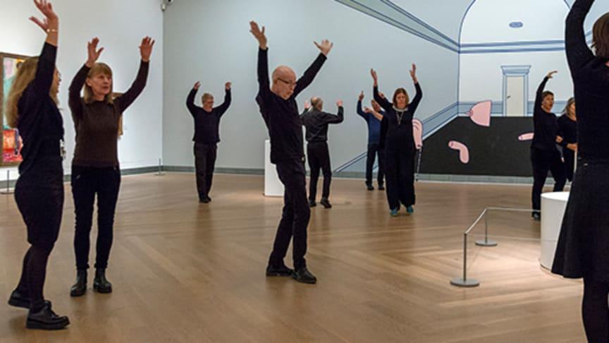 Dans för Parkinson med Balettakademien, här dansklass på Moderna Museet.
