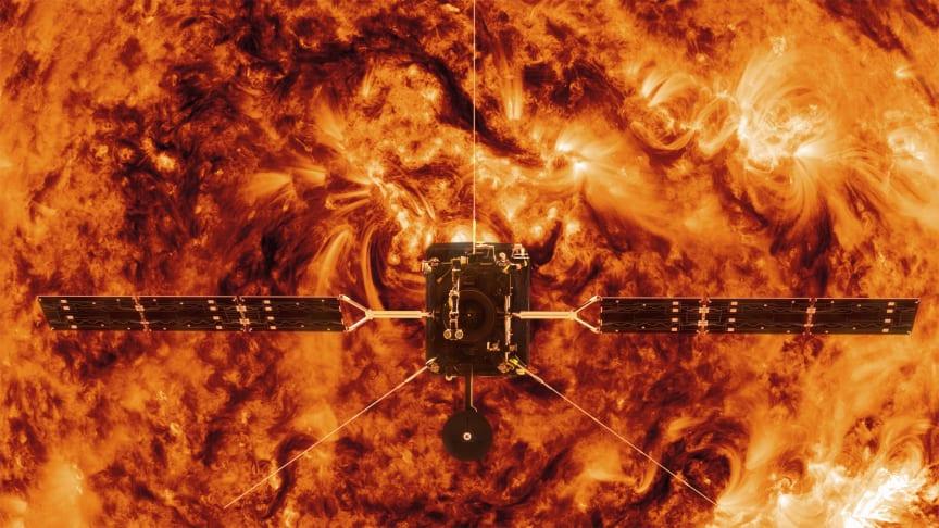 Illustration av ESA:s Solar Orbiter framför solen. Copyright: Spacecraft: ESA/ATG medialab; Sun: NASA/SDO/ P. Testa (CfA)