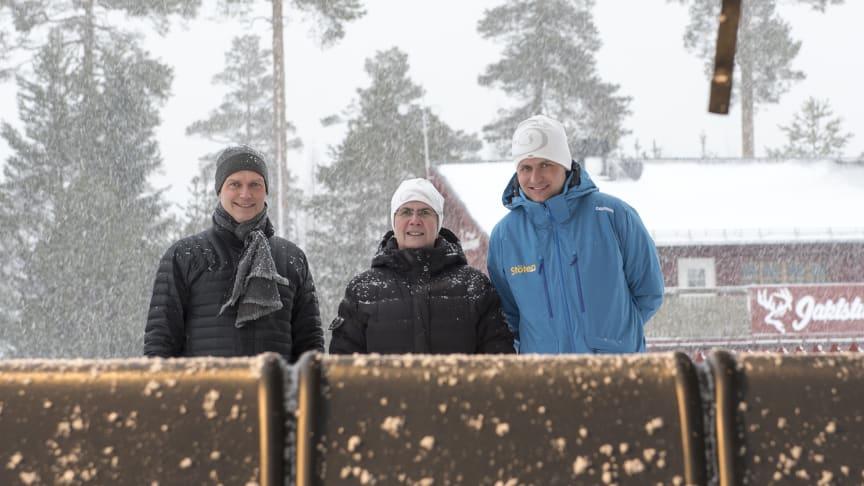Nu är Stötens senaste storsatsning invigd. Vargy Express, som är Dalarnas längsta och snabbaste lift: Roger Adolfsen, Adolfsen Group, Ylva Thörn, Dalarnas Landshövding och Johan Thorn, Stötens VD.