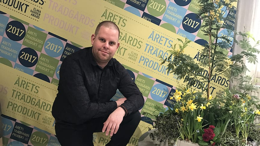 Björn Lidbrandt with his concrete planting ring that won the Elmia Garden Award for Garden Product of the year 2017. Photo: Björn Lidbrandt