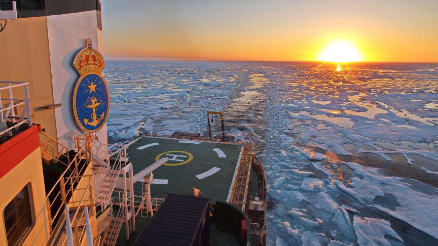 Arktisk sol, is och hav. Foto: Michael Tjernström/Stockholms universitet
