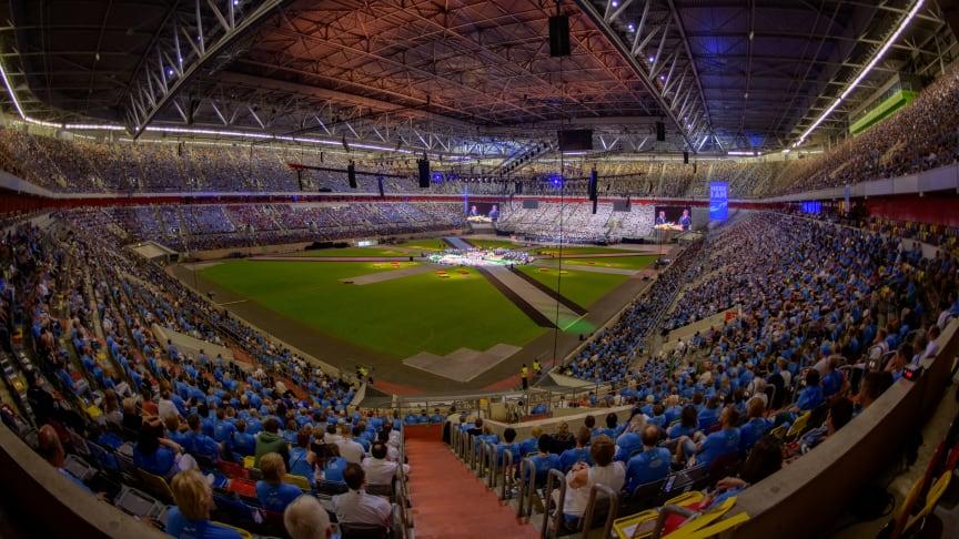 Blick in die Arena beim Abschlussgottesdienst zum Internationalen Jugendtag 2019 der Neuapostolischen Kirche in Düsseldorf