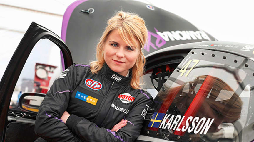 Ramona Karlsson  kör klassen Supercar i RallyX Nordic 2017