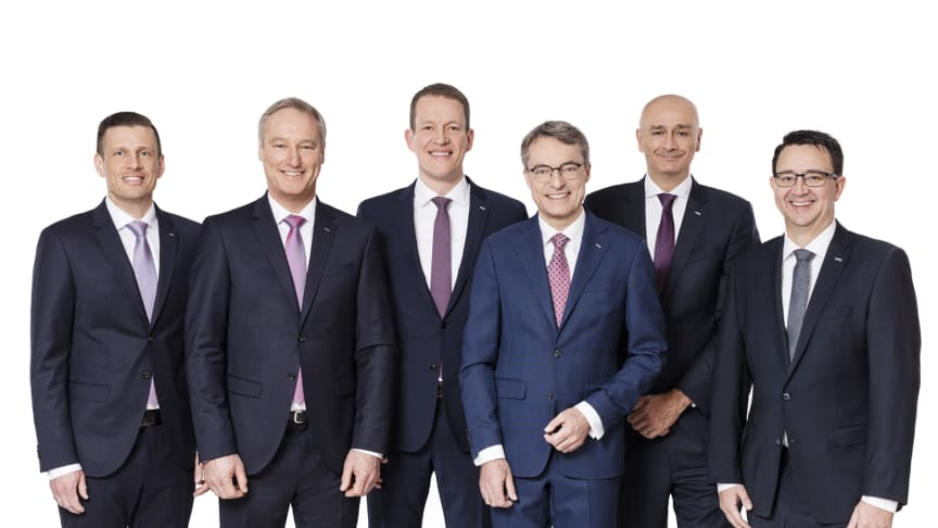 v.l.n.r: Alexander Tonn, Michael Schilling, Burkhard Eling, Bernhard Simon, Edoardo Podestà, Stefan Hohm