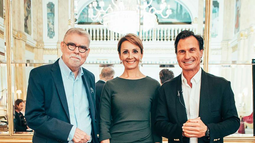 Nye og gamle eiere (Fra venstre: Ari Tolppanen, styreleder i CapMan, Laura Tarkka, administrerende direktør Kämp Collection Hotels og Nordic Choice Hotels Petter Stordalen