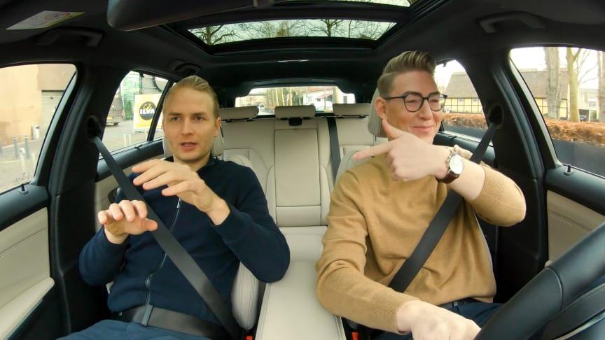 Mads Faurholt og Emil Thorup i BMW 320d Touring