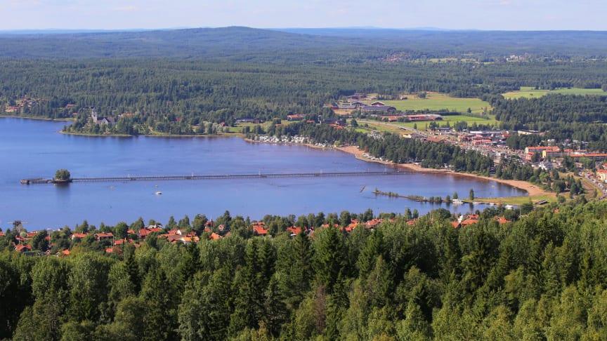 Långbryggan i Rättvik sträcker sig 628 meter ut i Siljan.