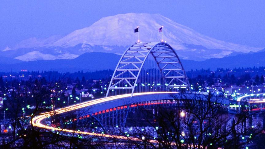 Icelandair  – neitsytlento 19. toukokuuta kohteena Portland, Oregon
