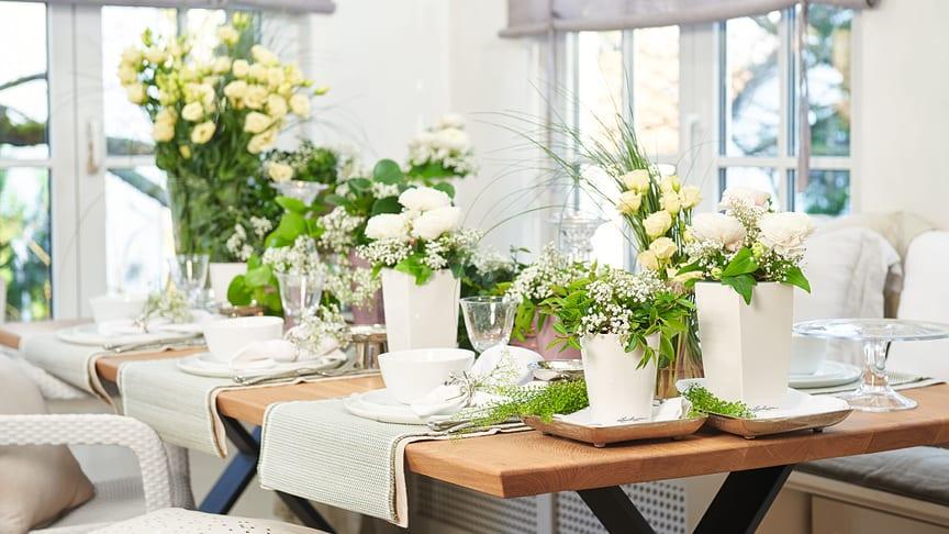Mit Pflanzenarrangements in Tischgefäßen aus dem aktuellen LECHUZA-Sortiment gelingt eine außergewöhnliche Tafeldekoration, die auch noch nach der Feier lange Freude bereitet