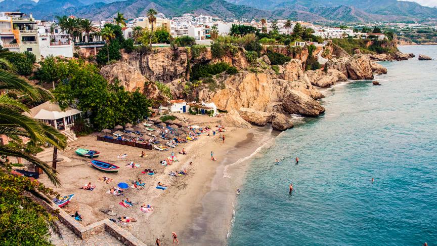 Nerja längs Costa del sol är en av de mest populära orterna för svenska bostadsköpare.