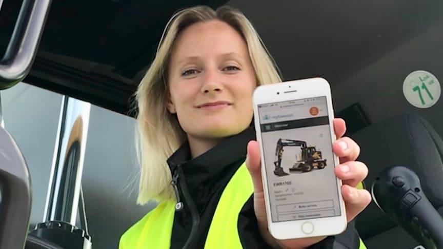 Lovisa Paulsson, projektledare på Swecon, jobbar med ständiga förbättringar i den digitala assistenten mySwecon.