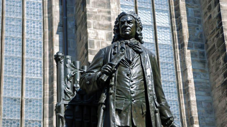 Bach-Denkmal vor der Thomaskirche in Leipzig - Foto: Andreas Schmidt
