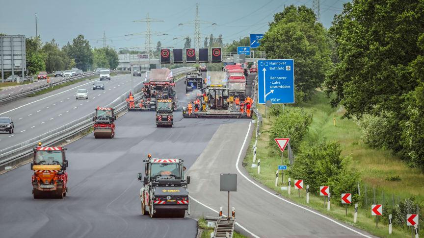 Autobahnsanierung in 88 Stunden auf der A2 in der Nähe von Hannover (Copyright: STRABAG AG)