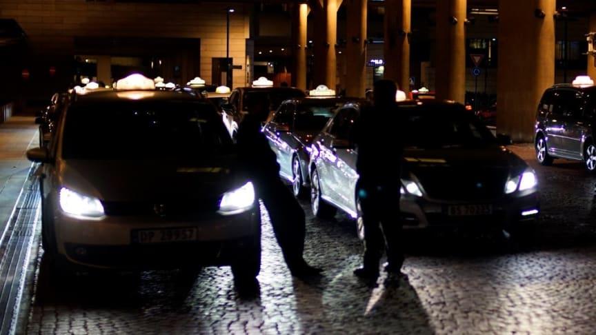 Det er stor overkapasitet på drosjer i Oslo, skriver Politidirektoratet, og er bekymret for ytterligere frislipp.