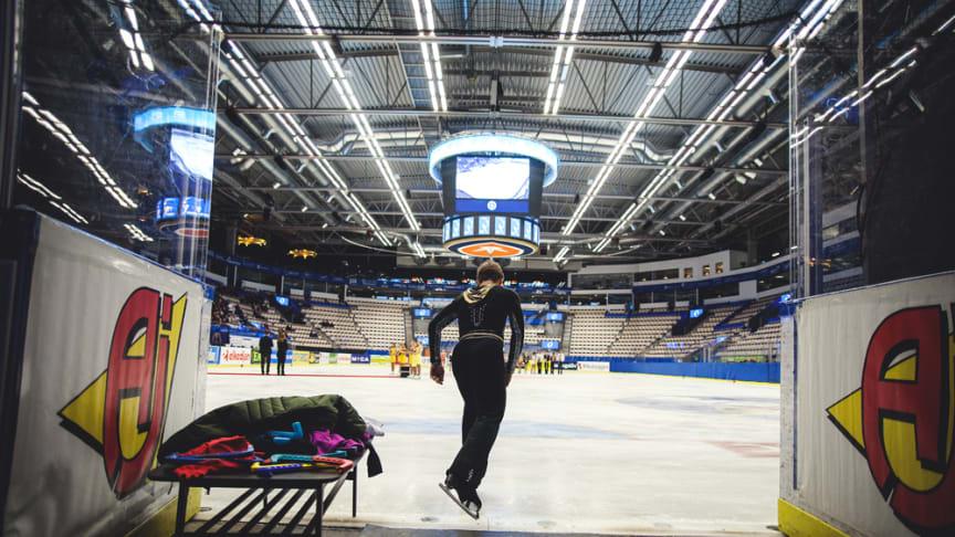 Seniorerna intar SM-isen i Ulricehamn