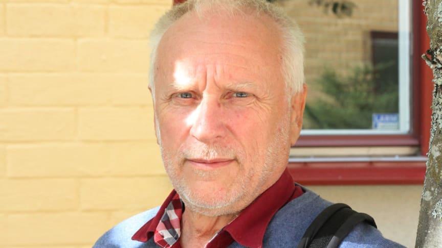 Erik Westholm är kulturgeograf och professor emeritus vid Sveriges Lantbruksuniversitet.
