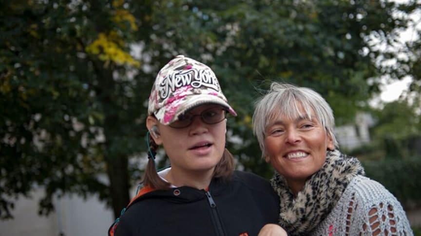 Reportage inom området flerfunktionsnedsättning. Om mamma Åsa Hultén Eriksson  och hennes dotter Kim. Foto: Anna Pella.
