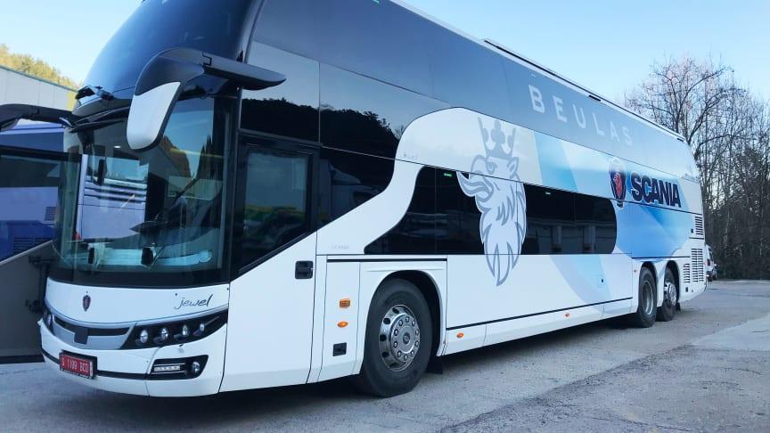 Scania Danmark udvider nu sit busprogram på det danske marked med den luksuriøse Beulas Jewel dobbeltdækker på 14,15 meter med 83+1+1 pladser på 1. klasse.