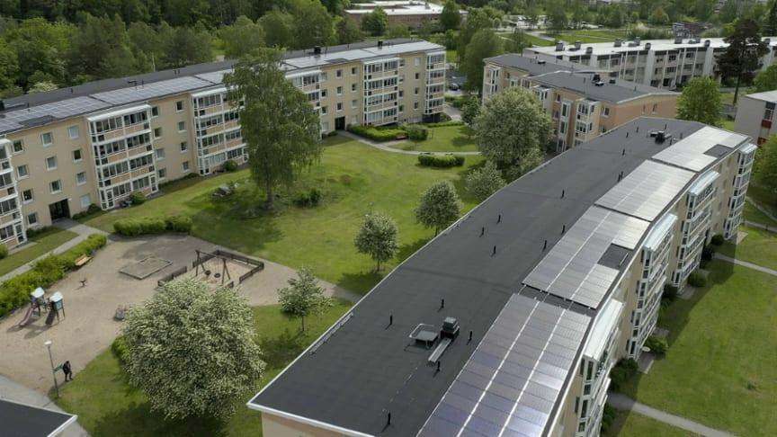 Invigning av jättelik solcellsanläggning i Riksbyggens Brf Nyköpingshus nr 15