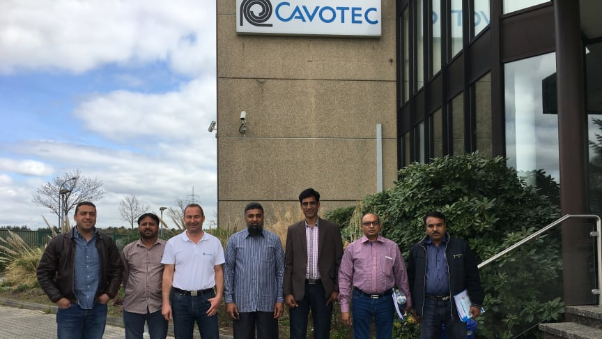 All set: Albrecht Bathon (third from left) welcomes partners and colleagues to Cavotec Fladung.