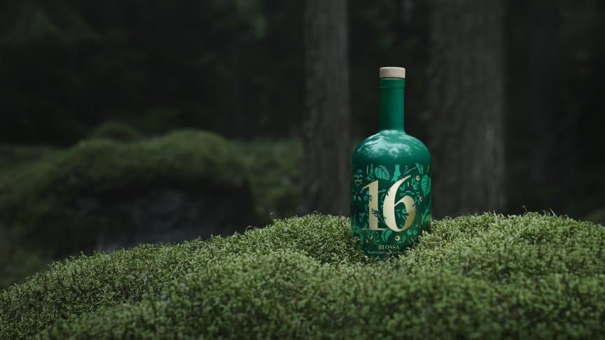 Blossa 16 i skogen.
