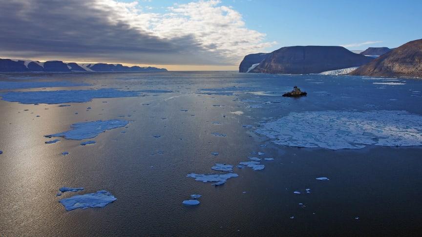 Isbrytaren Oden i Petermannfjorden under den tidigare expeditionen Petermann 2015. Foto: Martin Jakobsson