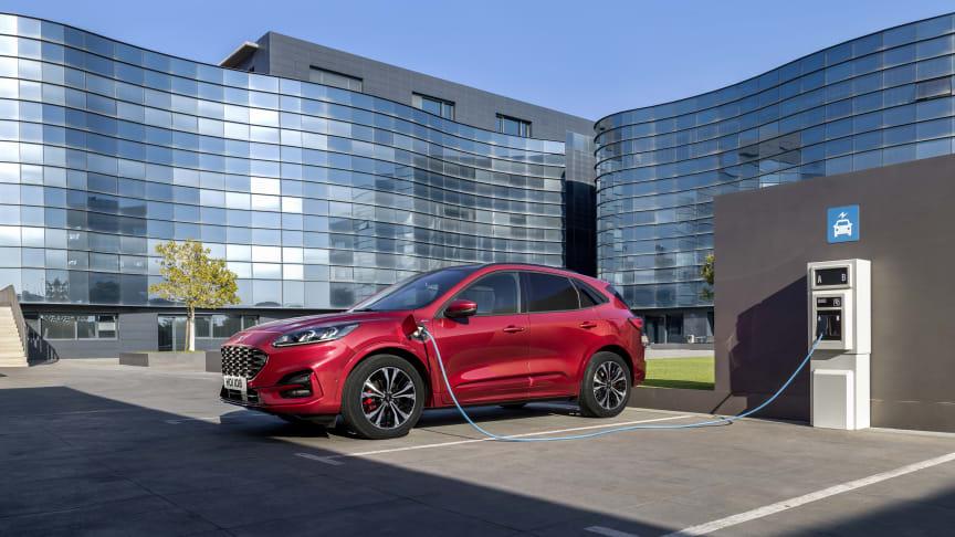 Helt ny Ford Kuga lanceres i tre hybridvarianter