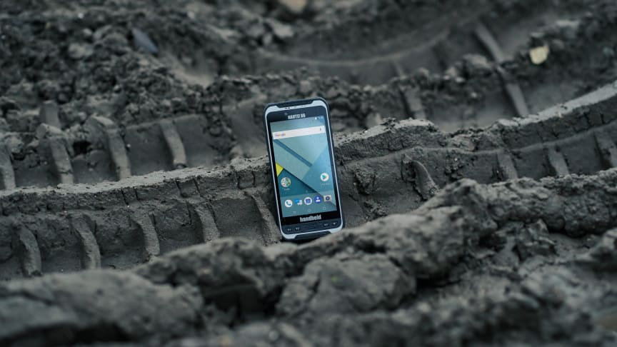 The Nautiz X6 ultra-rugged Android phablet is certified to operate on Canadian cellular carriers Rogers Wireless, TELUS Mobility and Bell Mobility