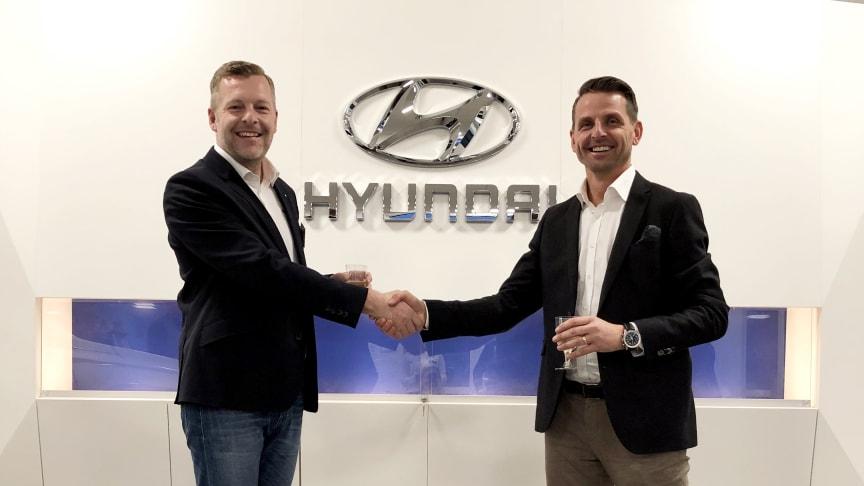 Bengt Larsson, Dealer Development Manager på Hyundai Sverige och Robert Radomski, ägare av Autoklinik i Malmö.
