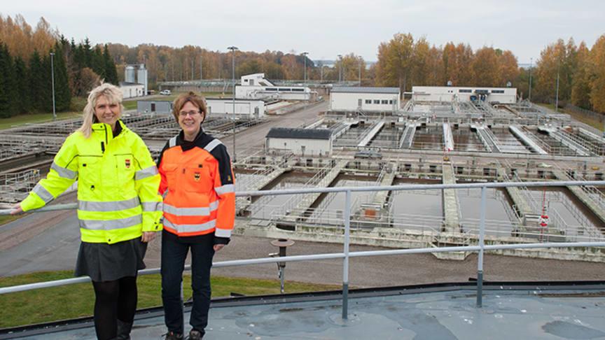 Reningsverket i Örebro. Fr. v. Helena Hasselquist, miljöingenjör och Lisa Osterman, enhetschef Reningsverket.