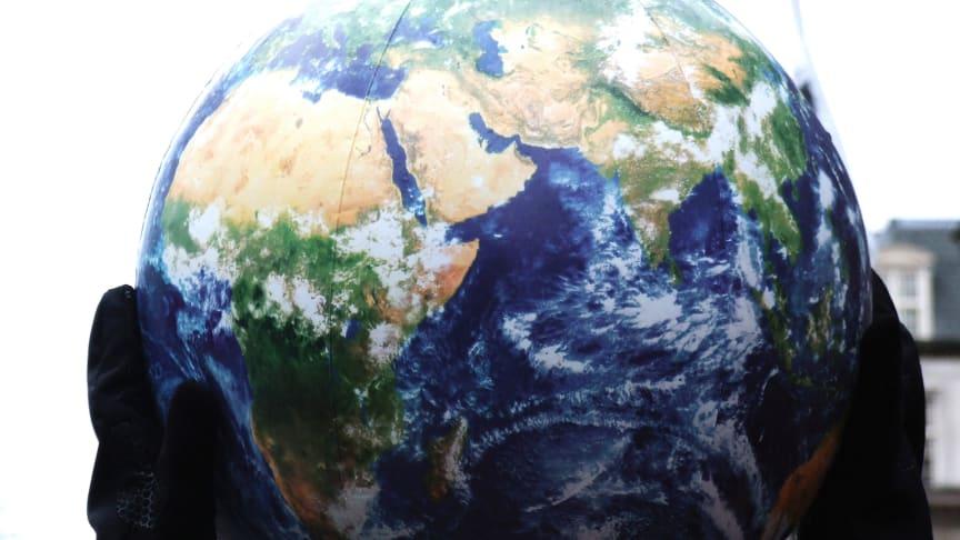 """Med den nya, tvärvetenskapliga kursen """"Att motverka klimatförändringarna"""" vill Stockholms universitet bidra till lösningar på klimatkrisen. Foto: Jason/Flickr cc"""