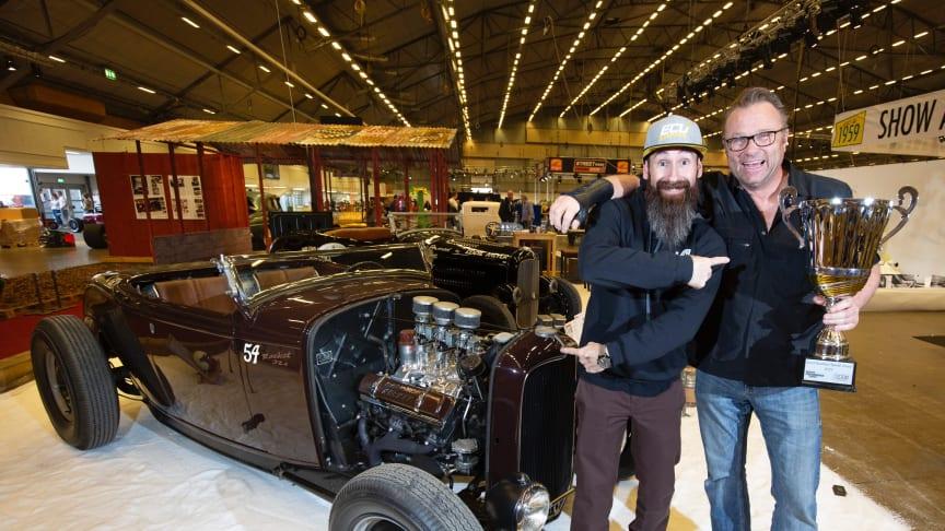 Den amerikanske gästen Aaron Kaufmann tillsammans med Jimmy Engstedts  och hans Ford -32 roadster.