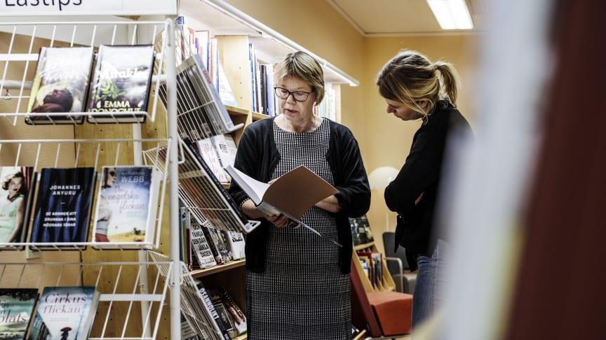 Nu kan Viksjöborna besöka biblioteket även när bibliotekarien Airi Palm Borden inte är på plats.