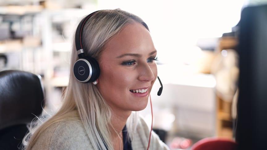Kontaktcentret H1 Communication drogs med tidskrävande support och telefoni som sällan fungerade. Idag har de, tack vare Telavox, en smidig molnbaserad växel som passar deras omväxlande vardag.