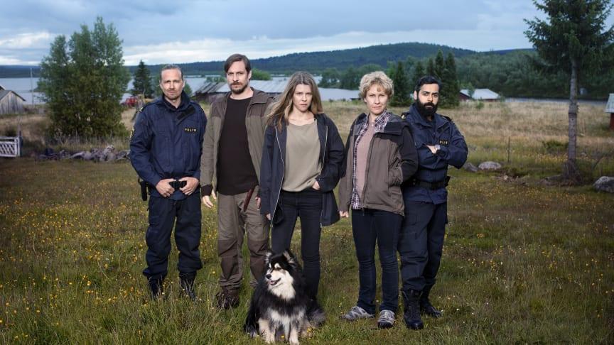 Sascha Zacharias spiller hovedrollen i 2. sæson af Rebecka Martinsson, som får premiere på C More den 27. april.