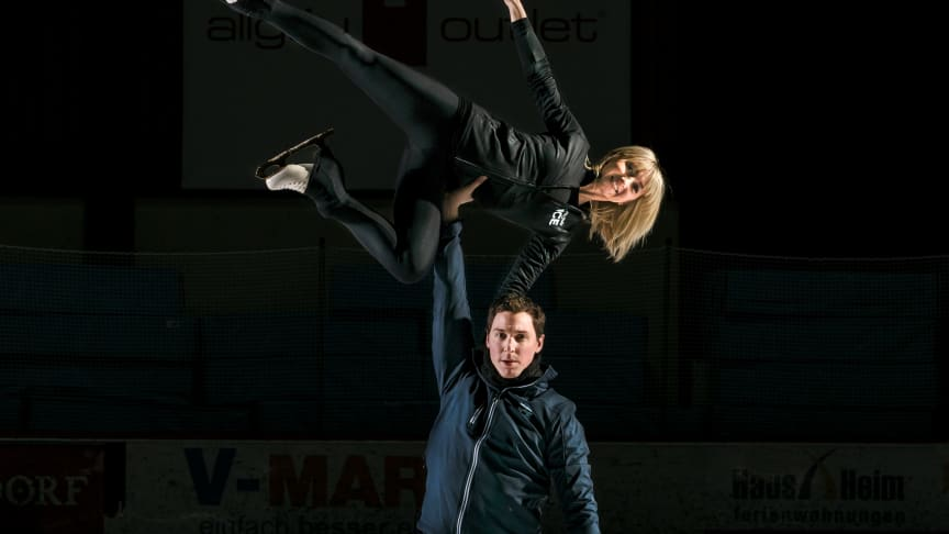Olympiasieger Aljona Savchenko und Bruno Massot: Countdown-Training für Show-Comeback bei HOLIDAY ON ICE in Hamburg gestartet
