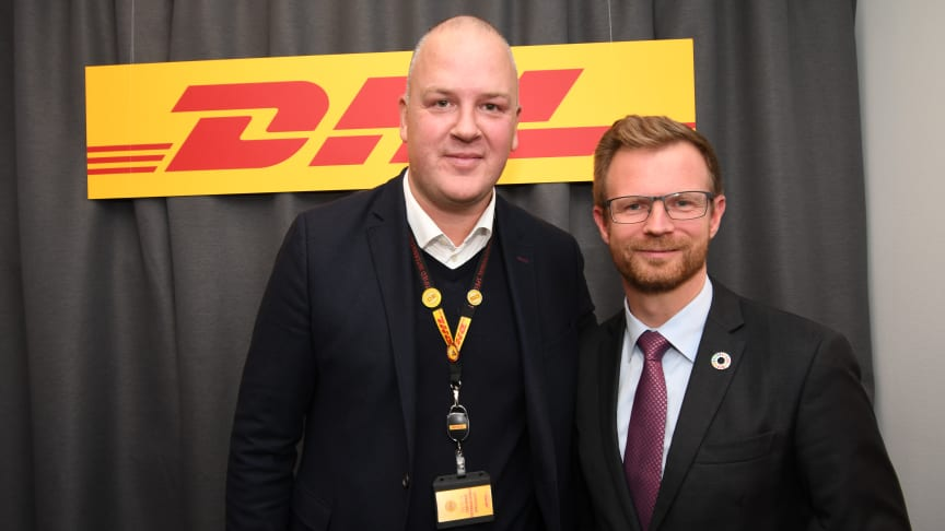 Adm. direktør Atli Einarsson sammen med transportminister Benny Engelbrecht (S) til den officielle åbning af den nye City Hub.