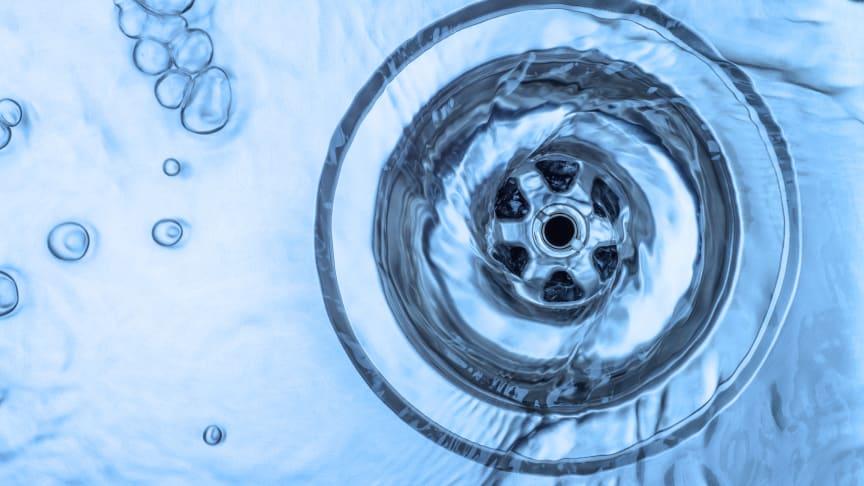 Adidas fortsätter att sälja silverbehandlade kläder trots fara för vattenmiljön