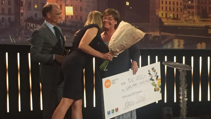 Administrerende direktør i Nordic Choice Hotels, Torgeir Silseth, delte ut prisen på 100 000 kroner.