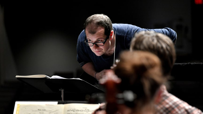 Stefan Solyom gör sin sista konsert som chefsdirigent för HSO 21 maj. Foto: Britt-Marie Olsson.