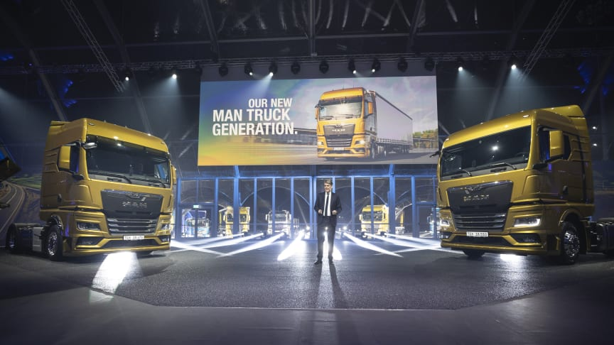 Joachim Drees, VD för MAN Truck & Bus, presenterar den nya lastbilsgenerationen från MAN i Bilbao