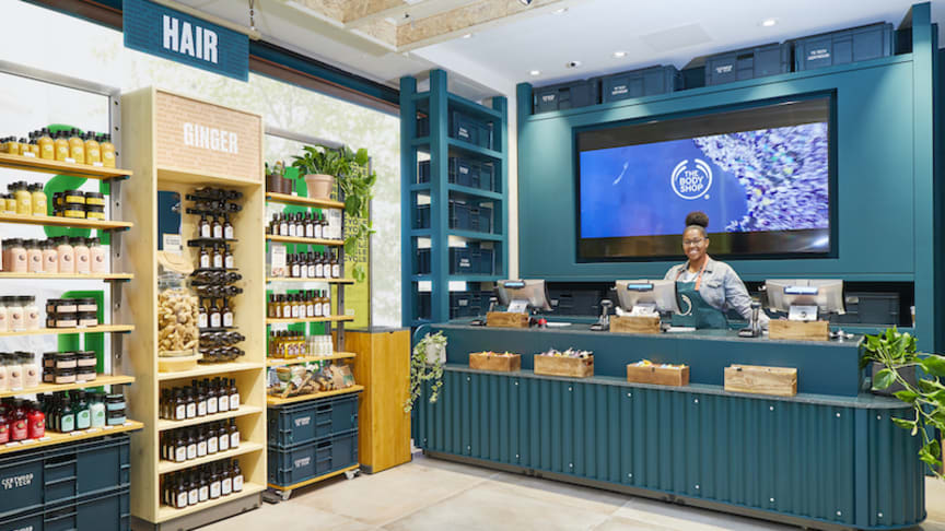 Natura &Co – Aesop, Avon, Natura och The Body Shop går ihop i kampanjen Isolated Not Alone. Bild The Body Shop, Bond Street, London.