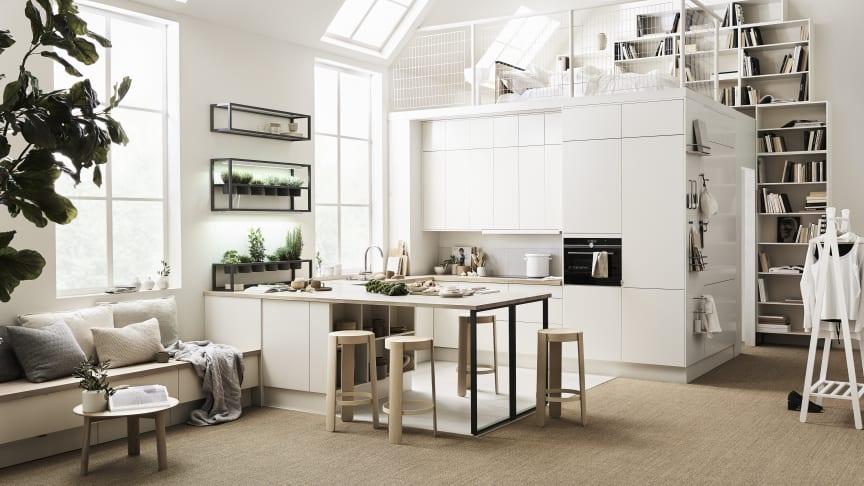 Köksöar finns i många olika former och utföranden, och kan fylla olika funktioner. På bild syns Köksön från Marbodals Svanenmärkta kök Arkitekt Plus Vit .