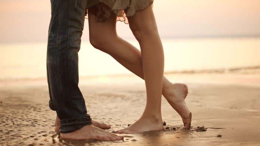Sowohl Frauen als auch Männer mögen es, wenn der Partner gepflegte Füße hat. Bild: Miramiska - stock.adobe.com