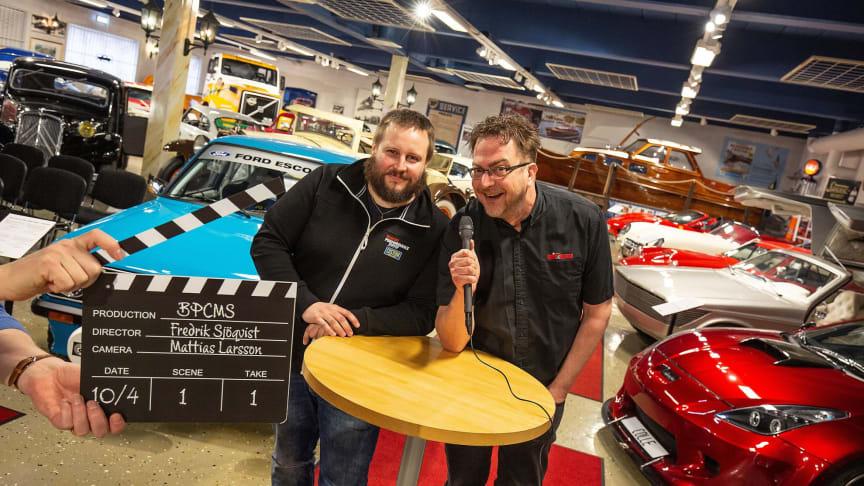 Daniel Lindstedt och Mikael Johansson från Förlaget kommer att leda livesändningen.
