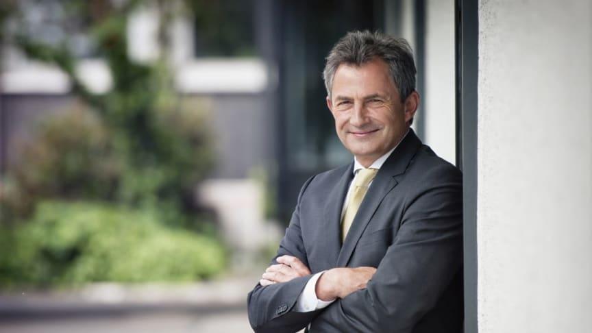 Peter Hübner, Mitglied des Vorstands der STRABAG AG Köln, wurde erneut in seinem Amt als BAUINDUSTRIE-Präsident bestätigt (Copyright: Stockberg)
