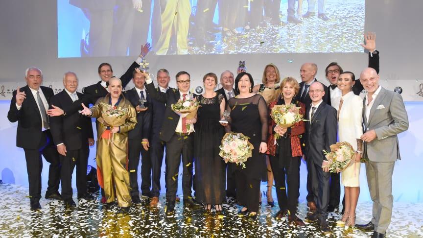 Preisträger und Laudatoren mit Moderatorin Hella von Sinnen und Stiftungs-Vorstand Dr. Christa Maar